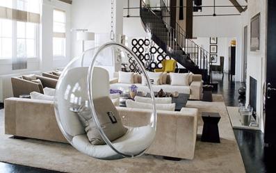 bubble-chair-usage-glass-design-idea-1