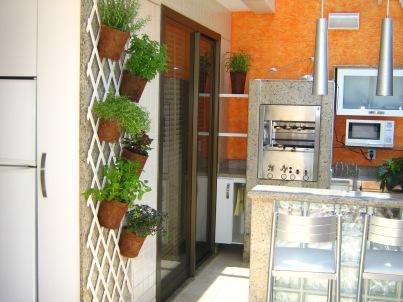 Horta-vertical-varanda-de-apto