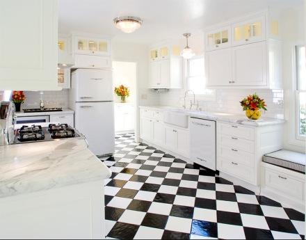 12-cozinha-piso-preto-branco.jpg