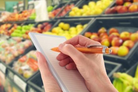 seudinheiro-Lista-de-compra-de-supermercado-635x423.jpg