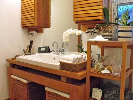 21-banheiro-orquidea-madeira.jpg