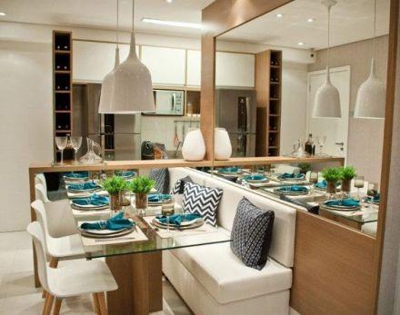 decoracao-sala-de-jantar-pequena-usando-espelho-e-sofa