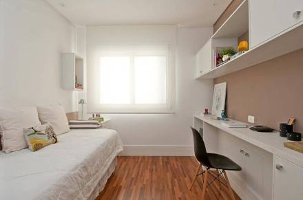 piso-de-madeira-no-quarto-de-solteiro-patricia-kolanian-299